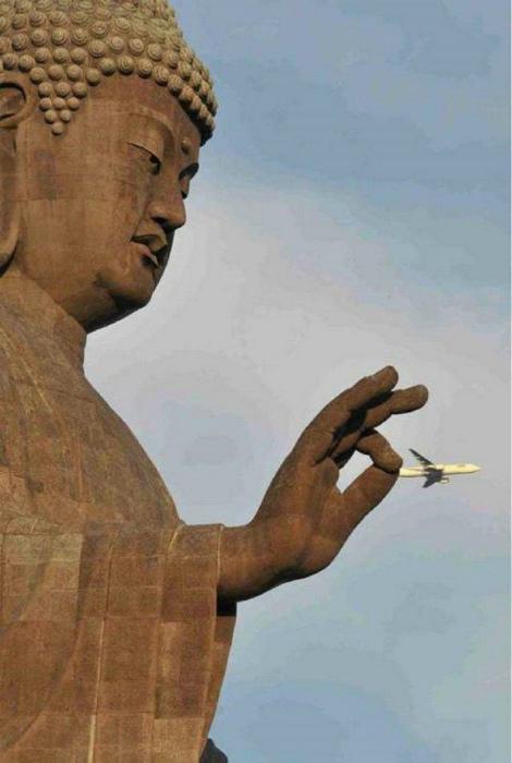 Самолет задержан! | Фото: Funnyjunk.