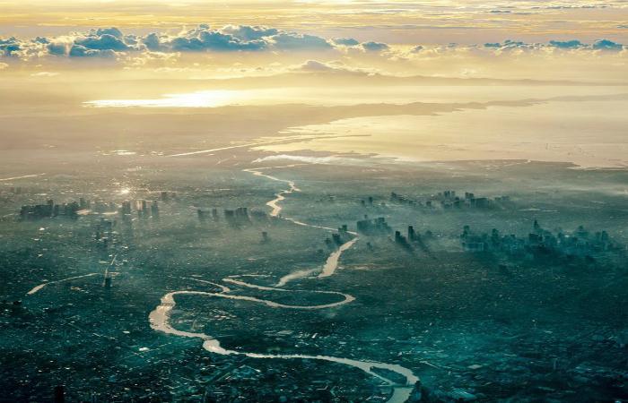Потрясающие снимки из иллюминатора самолета.