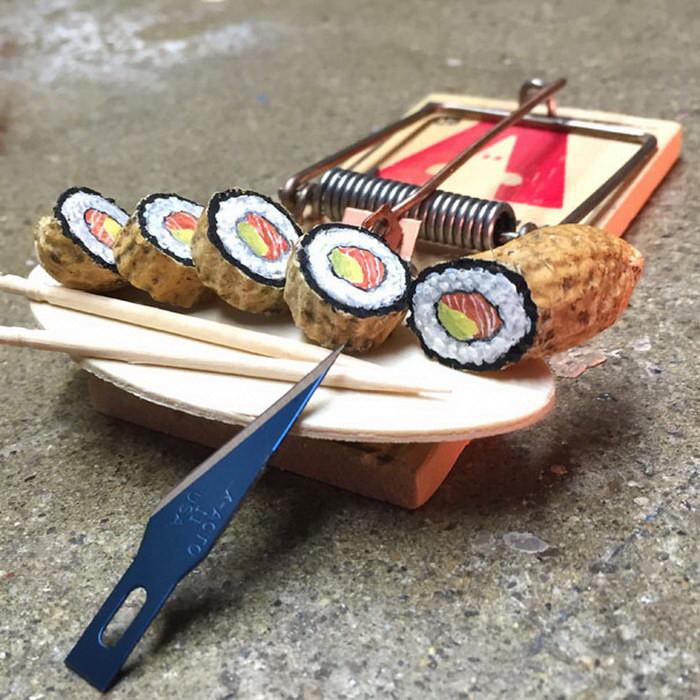 Несъедобные суши из арахиса.