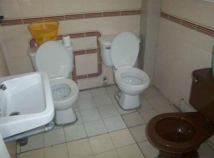 Туалет для любителей компании.