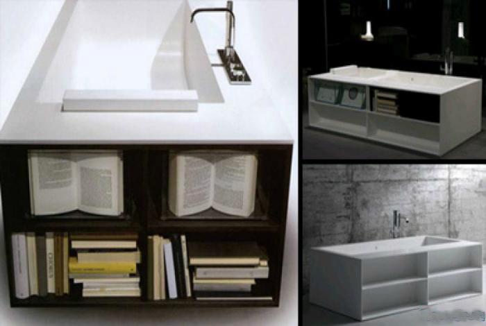 Ванна с вмонтированными полочками для книг.