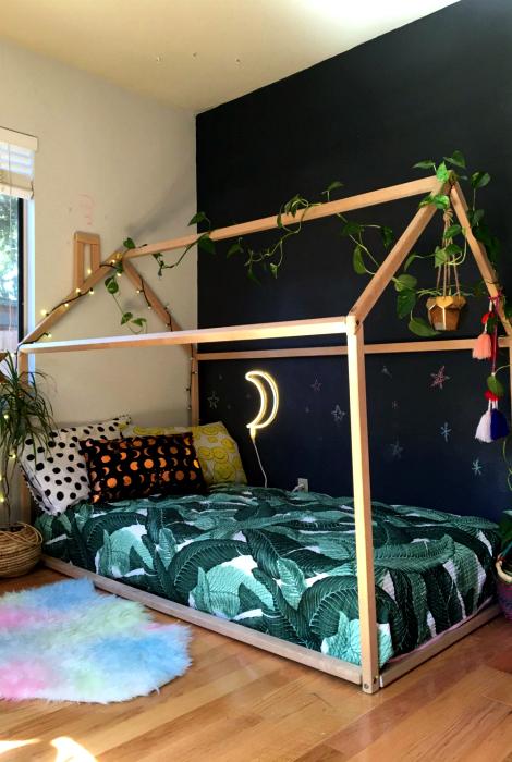 Оригинальный дизайн кровати.
