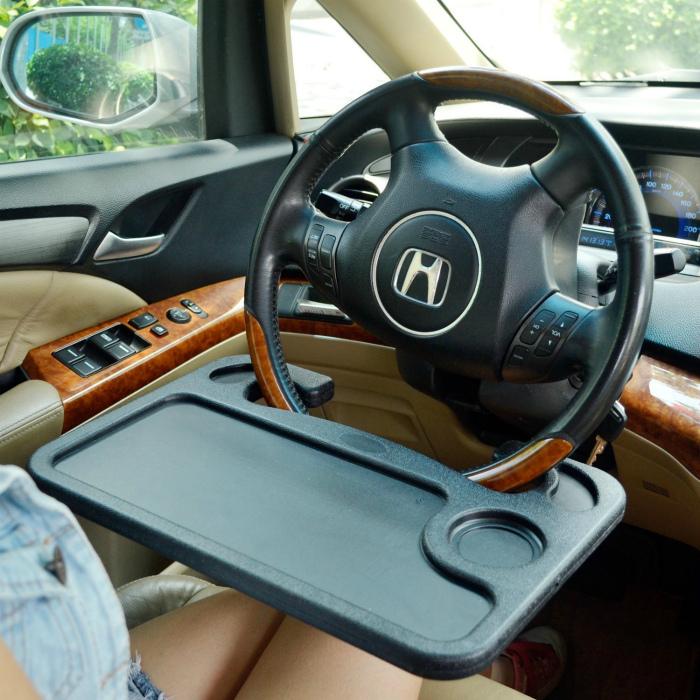 Портативный автомобильный столик.
