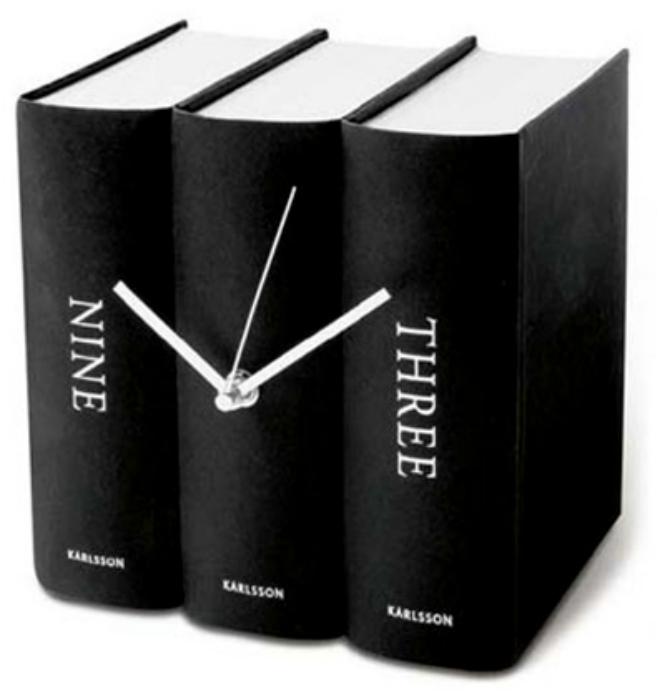 Часы в виде книг для людей, которые любят все оригинальное и необычное.