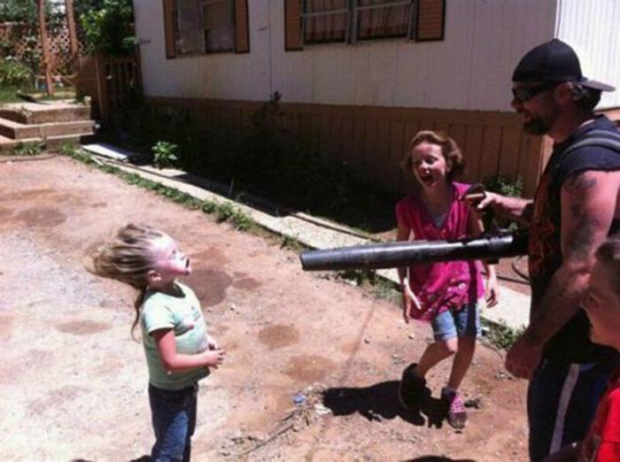 Папа, который знает, как нужно играть с детьми.