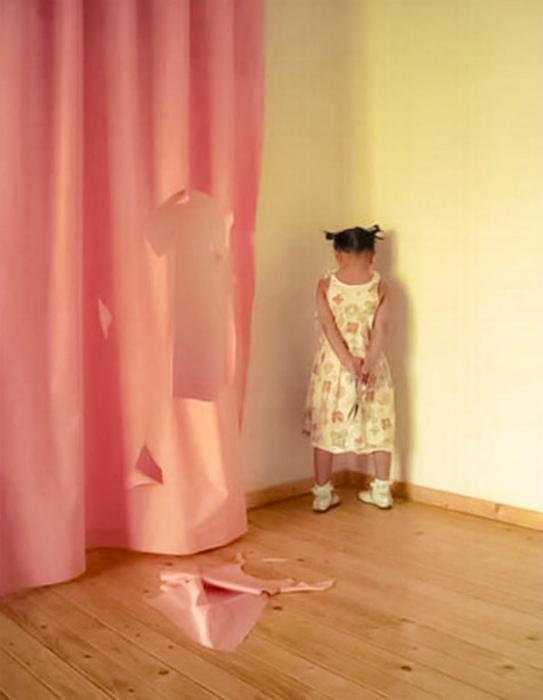 Ребенок + Ножницы = Гремучая смесь. | Фото: Летидор.