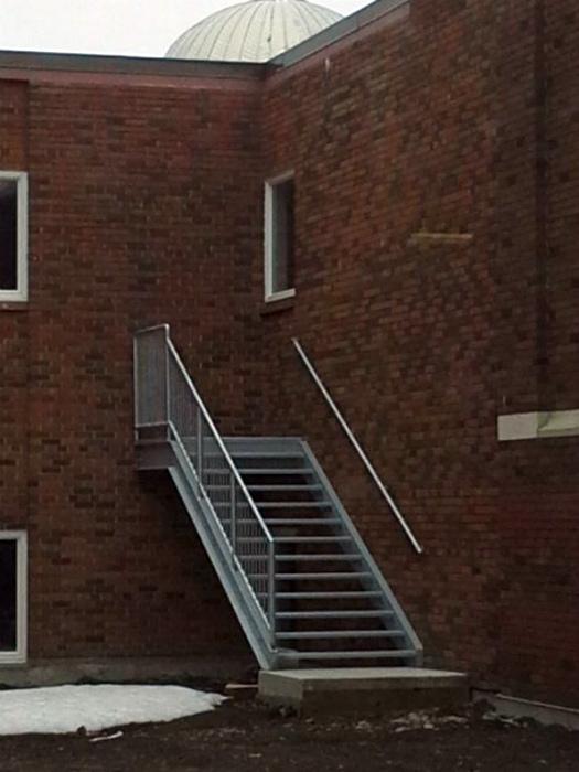 Невидимая дверь.