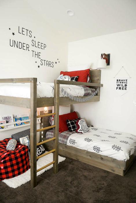 Стильная спальня для двоих.