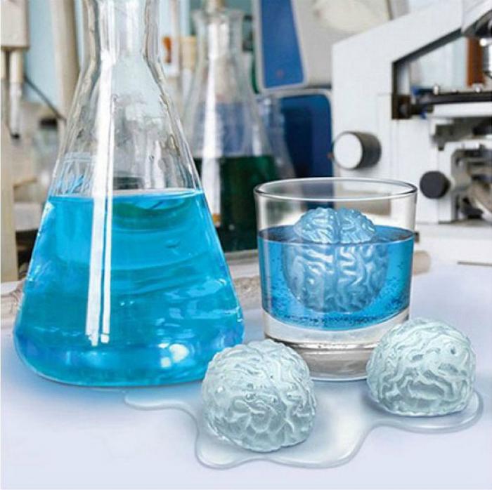 Оригинальные формы для льда в виде мозга.
