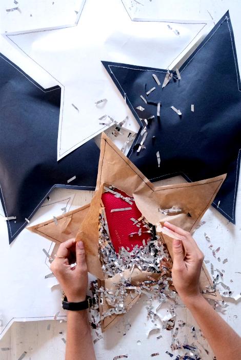 Бумажные упаковки в виде звезд.
