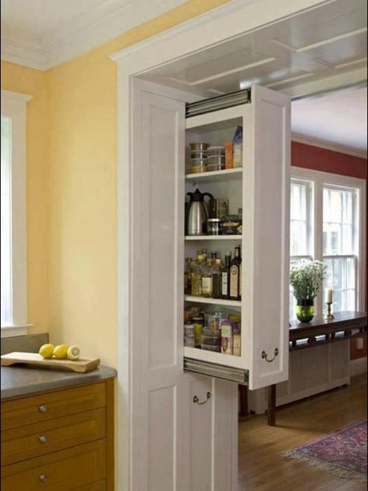 Вертикальный выдвижной шкафчик.