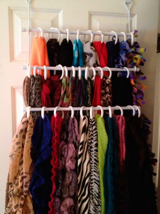 Хранение шарфов и палантинов.