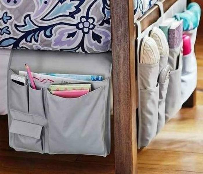 Подвесные органайзеры у кровати. | Фото: picurams.pw.