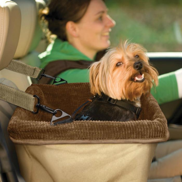 Бустер для перевозки собак.