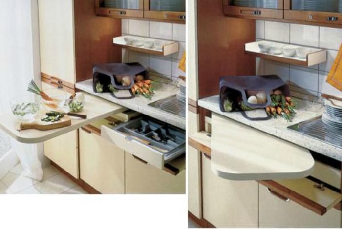 Покупайте функциональную мебель, например, кухонный шкаф с выдвижной разделочной доской.