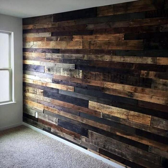 Акцентная стена из досок. | Фото: Rohl Shower Valve.