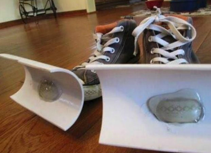 Кроссовки- снегоочистители.
