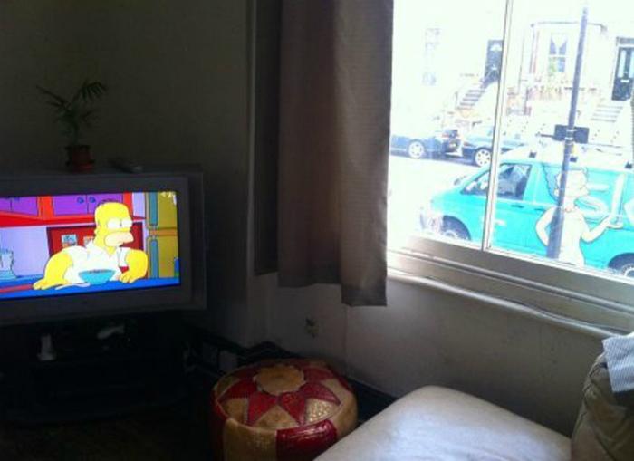 Гомер и Мардж.