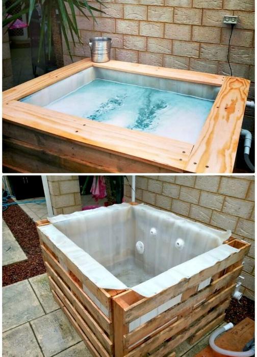 Небольшой бассейн с деревянным каркасом.| Фото: Все о работе руками.