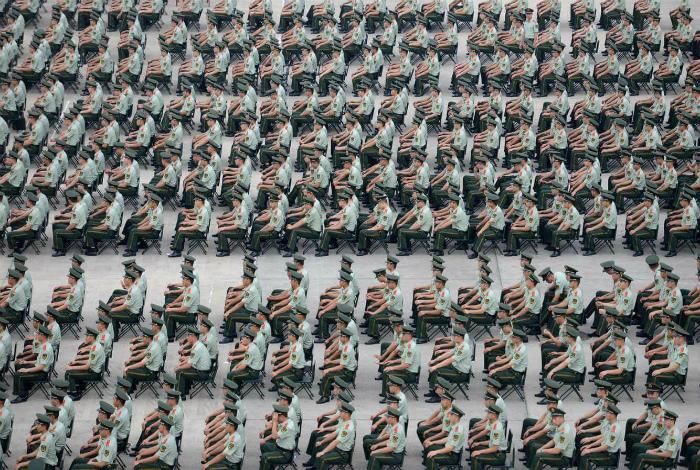 Несколько тысяч служащих военной полиции. | Фото: Pinterest.