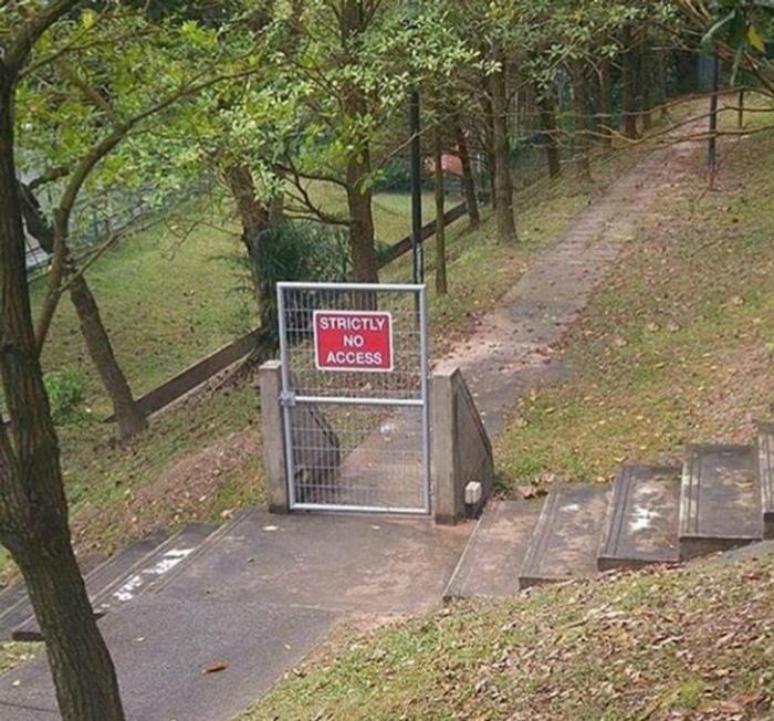 Серьезный забор, ничего не скажешь!   Фото: klikabol.com.