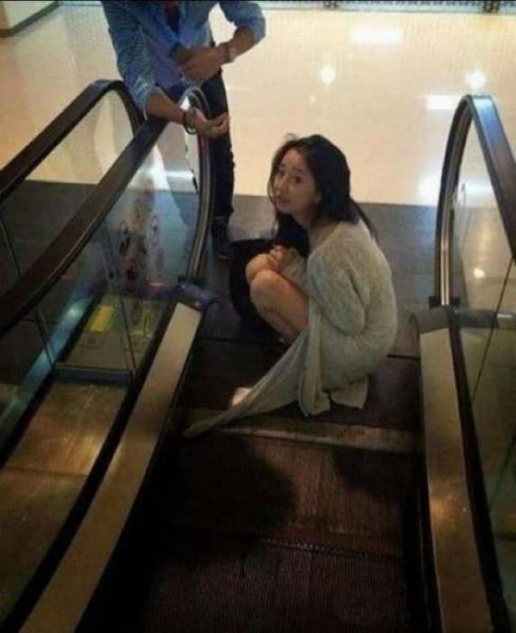 Немного о сложных отношениях с эскалатором. | Фото: Алтапресс.