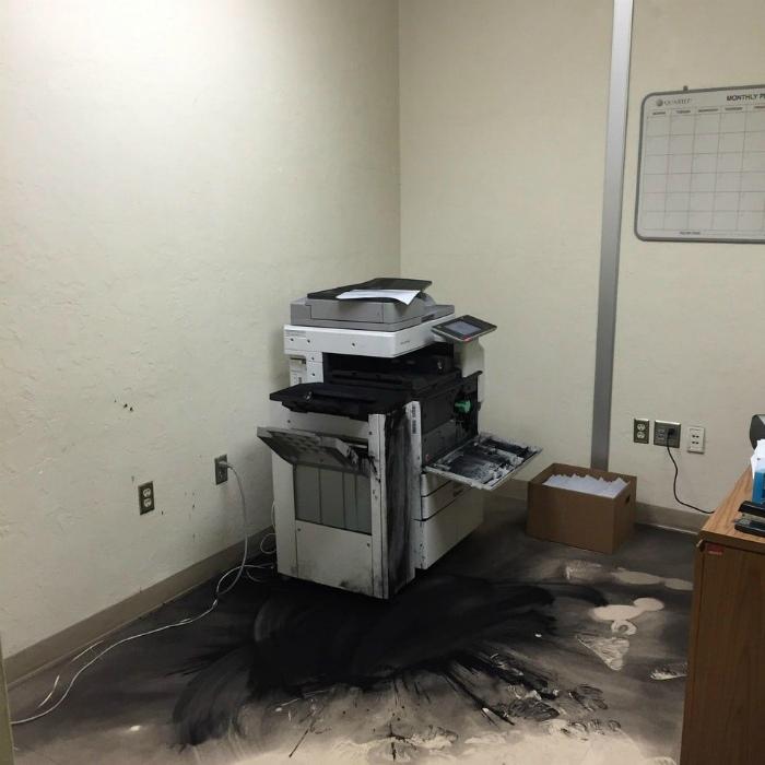Красочная заправка принтера.