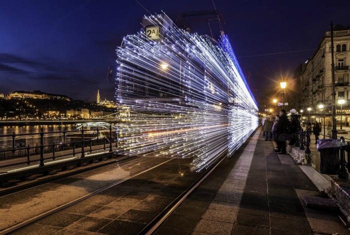 Искристый поезд. | Фото: Reddit.