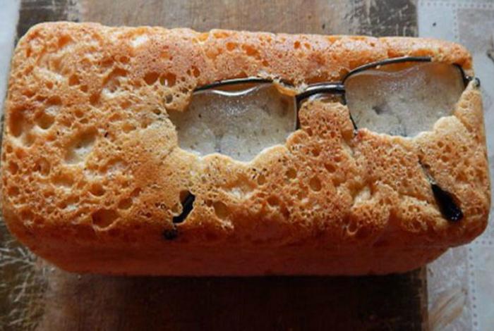 Хлеб с интересной начинкой. | Фото: Hilarious Memes.