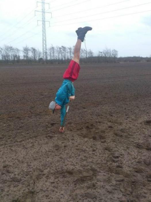 Вскапывание почвы.
