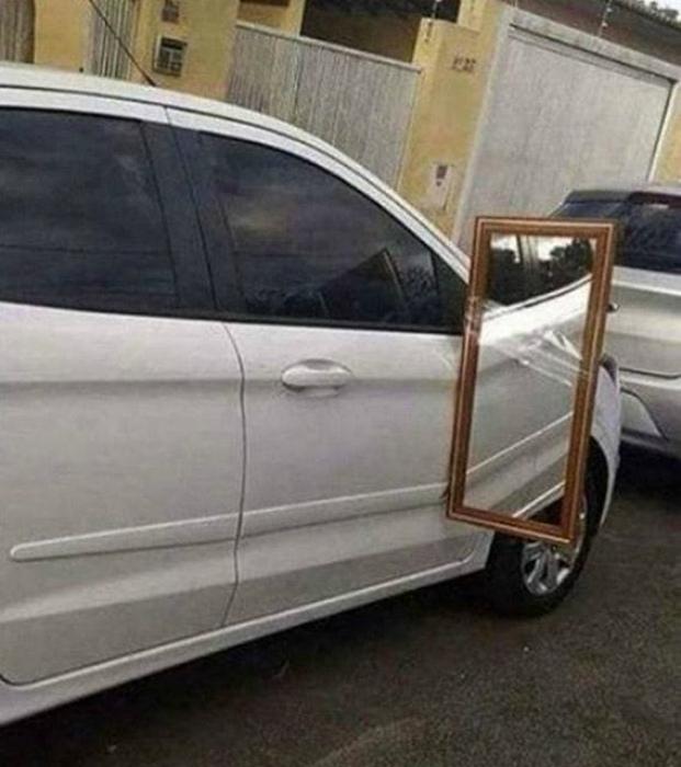 Зеркало большого размера. | Фото: ЯПлакалъ.
