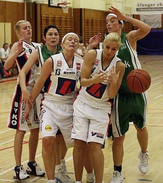 Странный баскетбол.