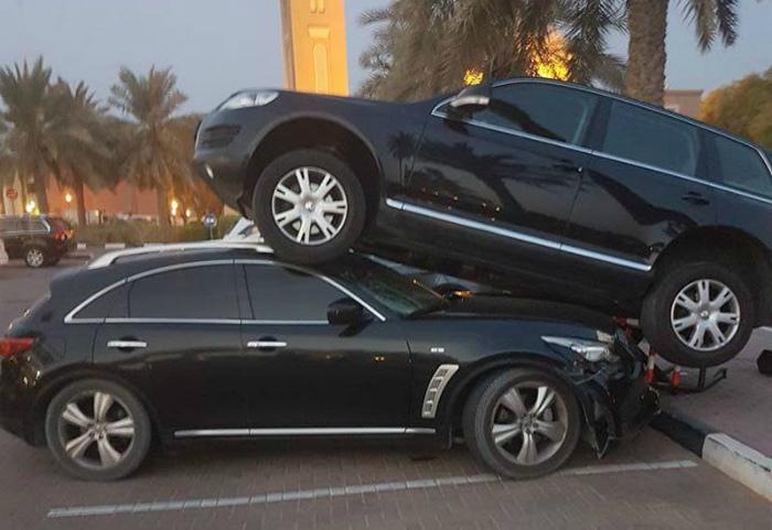 Двухъярусная парковка.
