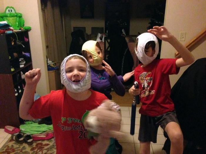 Вечеринка супергероев.