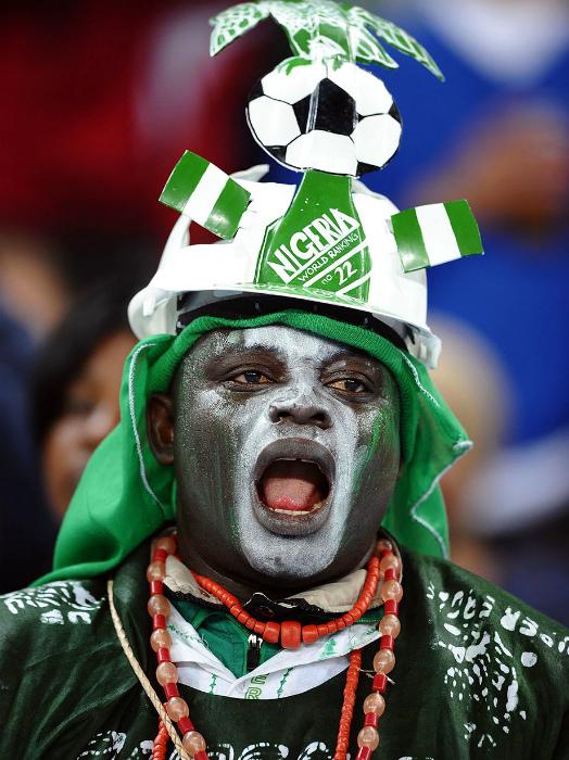 Пугающий вид фаната из Нигерии.