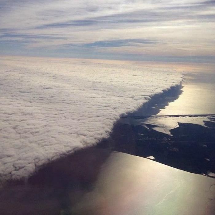 Облака, наступающие на Нью Йорк.