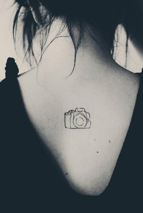 Неброский рисунок фотокамеры.