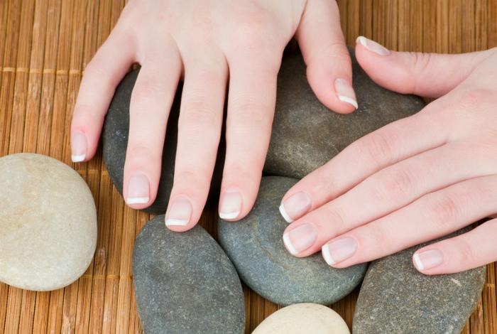 «Голые» ногти.