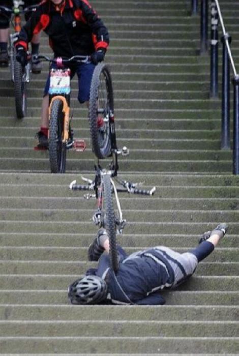 Курьезная авария.| Фото: Бяки.нет!