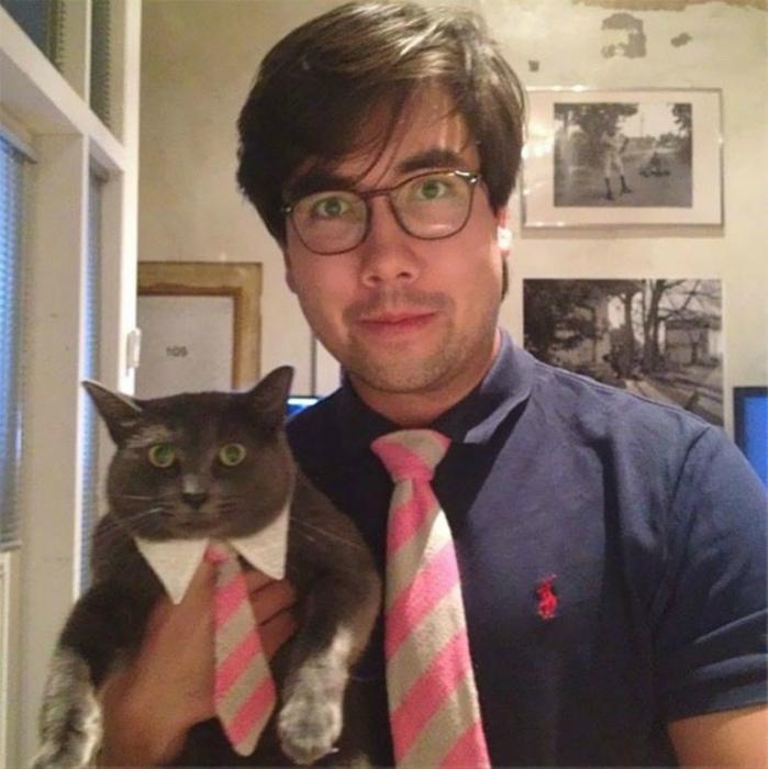 Пара в галстуках.