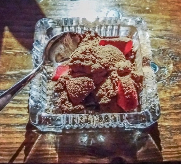 Блюдо в пепельнице. | Фото: VIPSTORY.