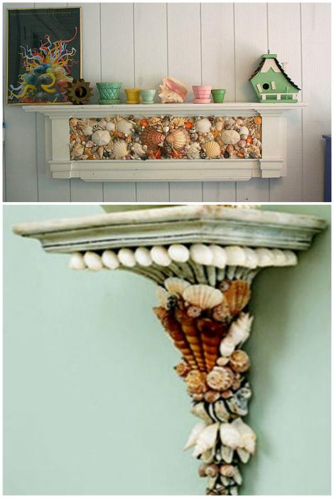 Полочки, декорированные ракушками.