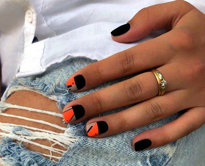Черно-оранжевый маникюр.