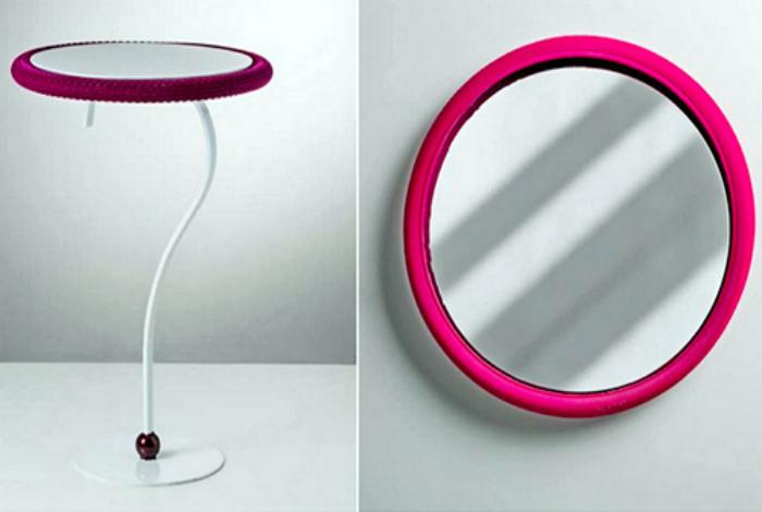 Стол или зеркало.