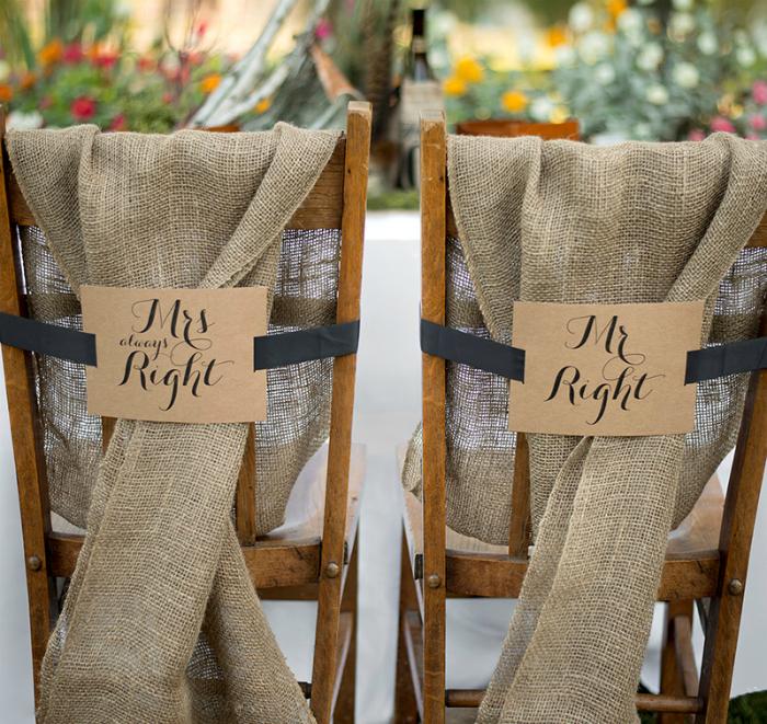 Оригинальная идея оформления стульев.
