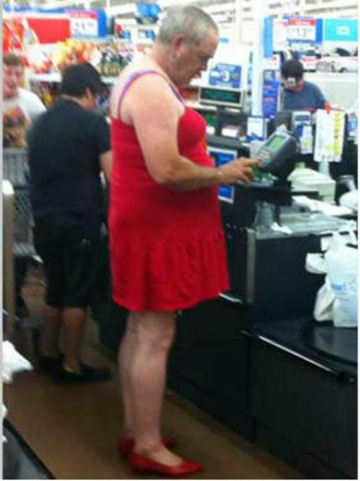Маленькое красное платье.
