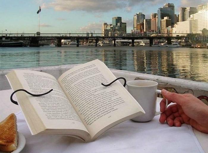 Удобная подставка для чтения.