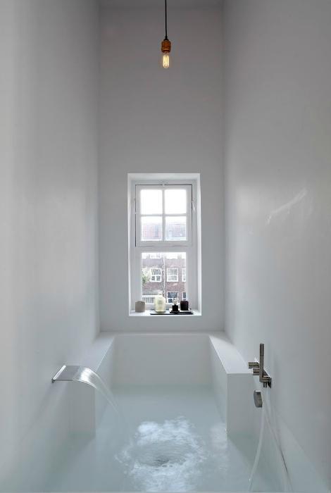 Ванна в стиле минимализм.