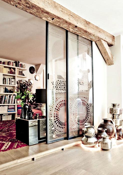 Раздвижная стеклянная дверь.