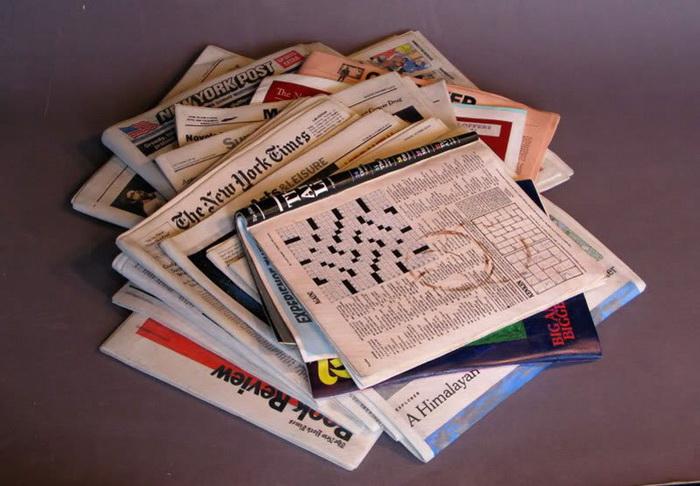 Рекламные буклеты, каталоги и другой почтовый мусор.